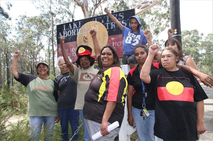 Australia: Lake Tyers Women Holding Blockade Against the Government