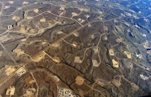 fracking-pads-in-Wyoming_ecoflight-e1366230217889