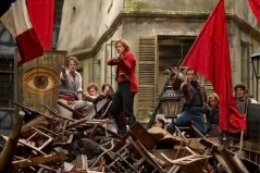 Defending the barricades, Les Miserables film