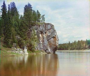 Maksimovsky_rock_Chusovaya_river