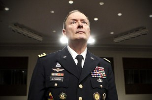 General Keith Alexander (Credit: Reuters/Yuri Gripas)